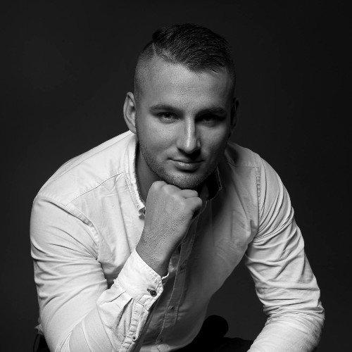 Radosław Suchowierski - Art Director at Connecsi